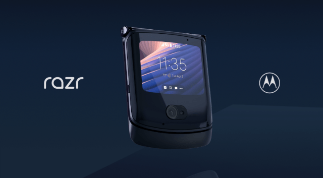 While folded, users can utilize the razr 5G's external 2.7-inch Quick View display that can now do more than just tell time and notify of incoming calls or messages. | CebuFinest