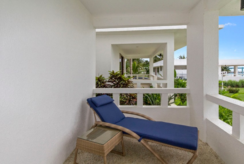 SRB115 Beachfront House with Private Whitesand Beach for Sale in
