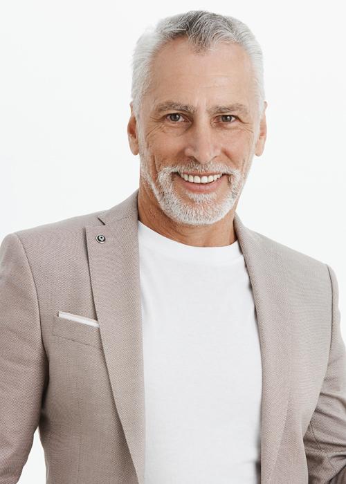 hombre-mediana-edad-plasma-capilar
