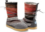 TOMS Nepal Boots come in a variety of pattern and colors perfect for fall!
