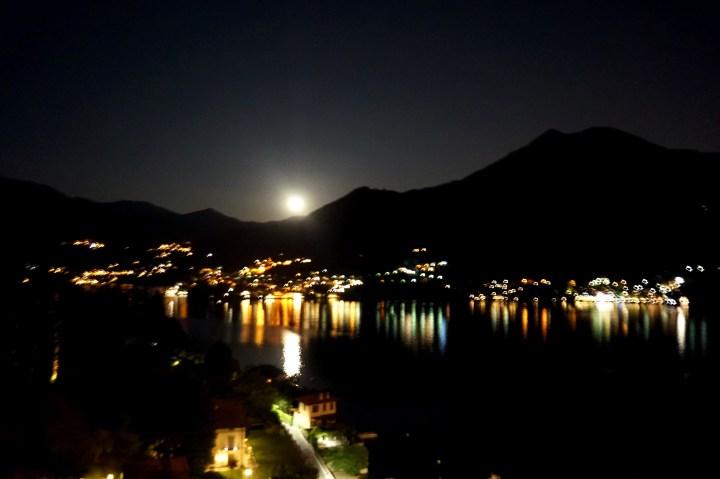 månen 22.30.jpg
