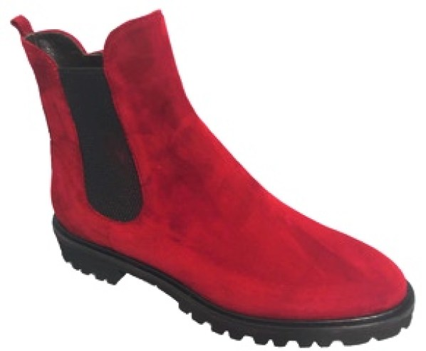 röd boot.jpg