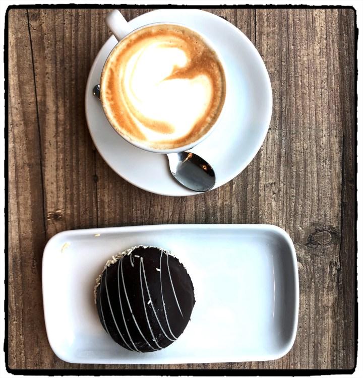 kaffe och kaka.jpg