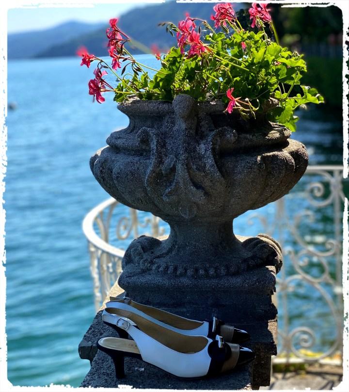 slingback och blommor