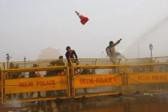 New Dehli - 22th December 2012 -compiled by femen india (10)