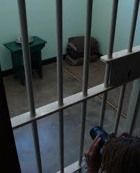 Nelson_Mandela's_prison_cell,_Robben_Island,_South_Africa 2