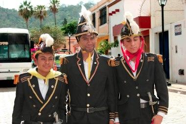 three guys 0392