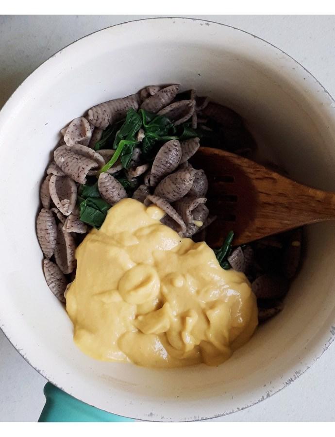 Mac and cheese di ricotta e curcuma