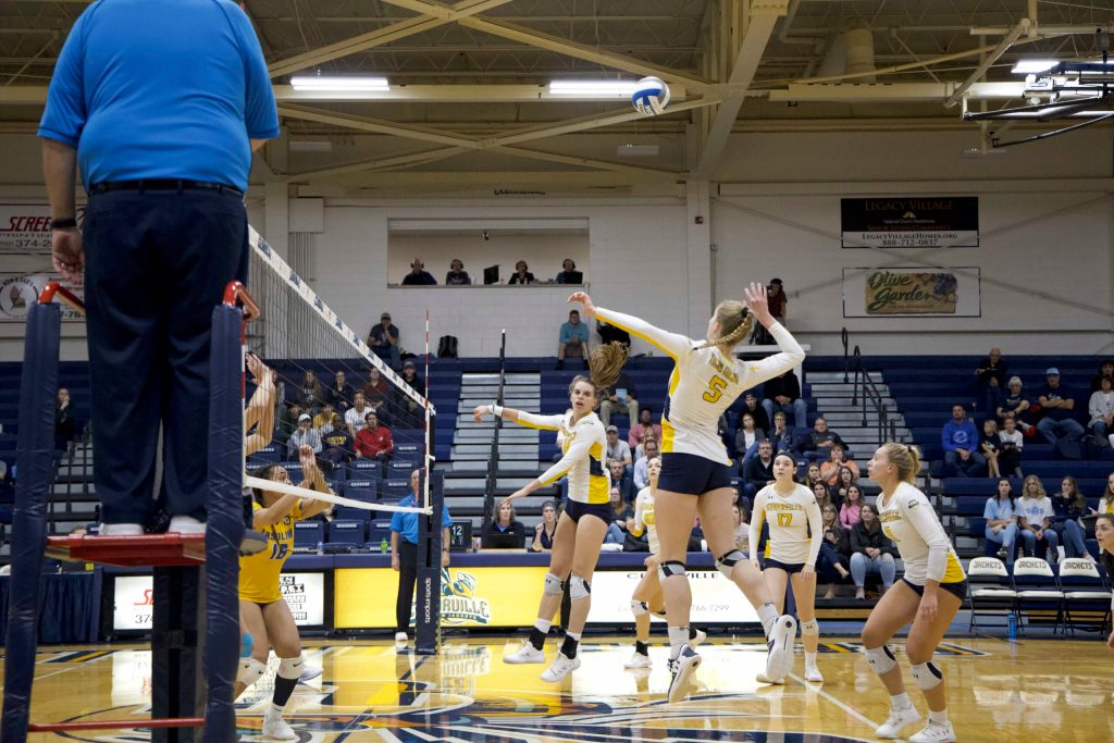 Miller and Hensley Lead Jackets to Third Straight Win