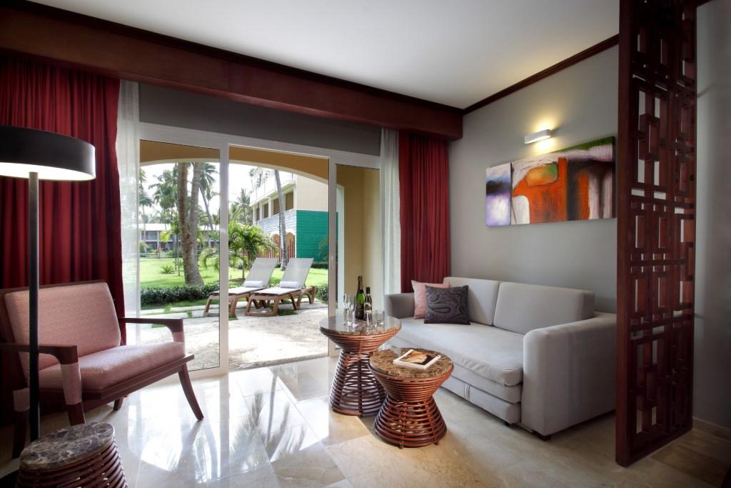 Grand-Palladium-Bvaro-Suites-Resort-Spa-Deluxe-junior-suite-11