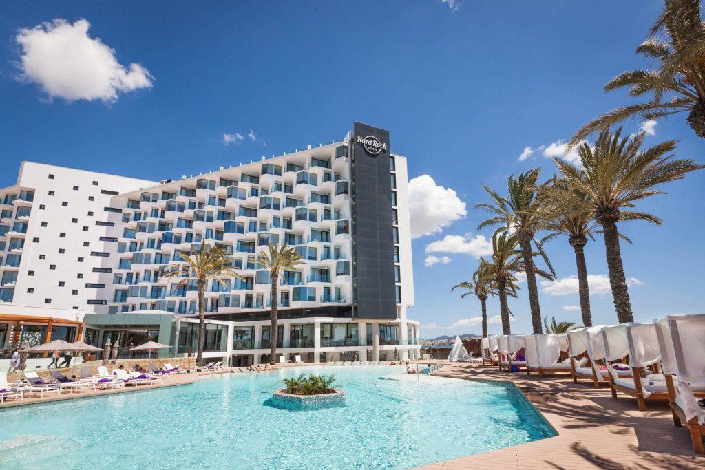 Hard-Rock-Hotel-Ibiza-Piscina