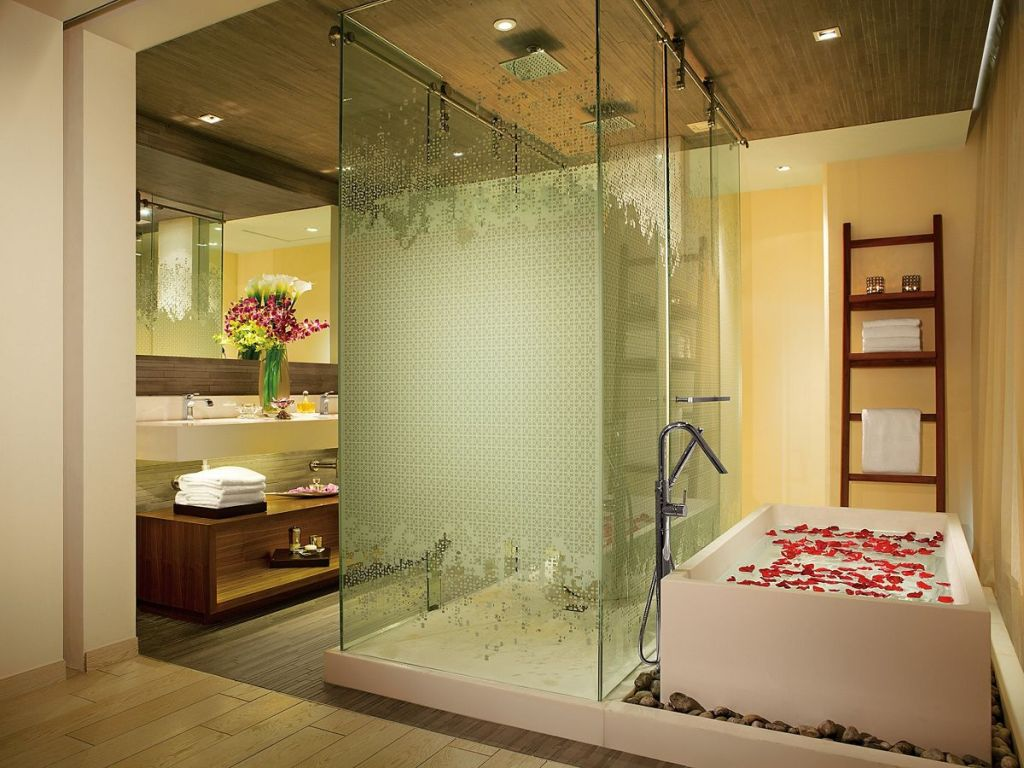 SEVCU_MasterSuite_Bathroom_2