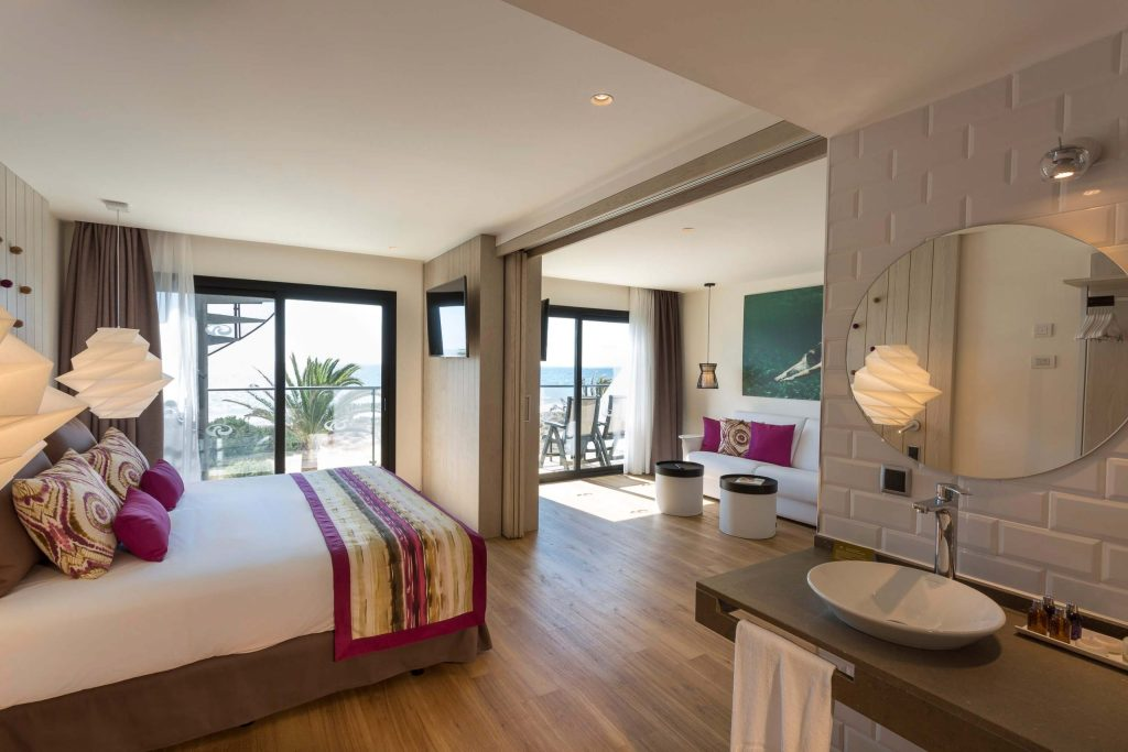 grand-palladium-white-island-master-suite5