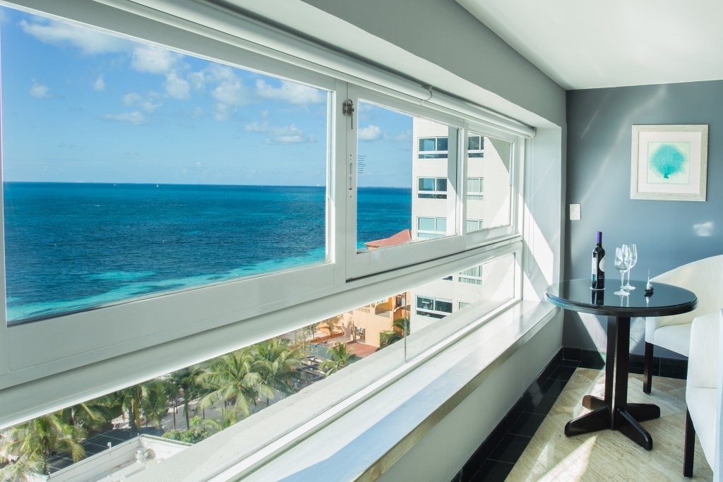 Preferred-Club-Junior-Suite-Ocean-Front-view