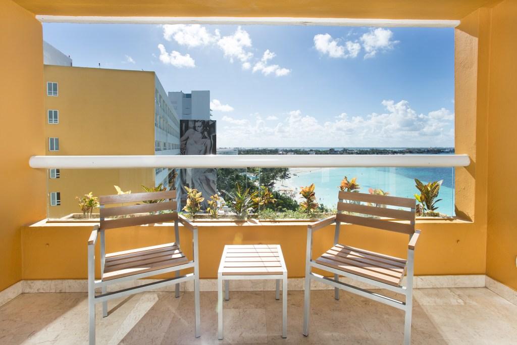 Preferred-Club-Ocean-Front-with-Balcony-balcony