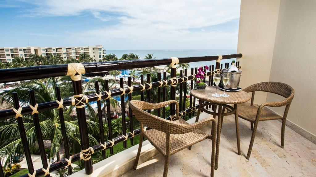 Premium-Deluxe-Ocean-View-Terrace