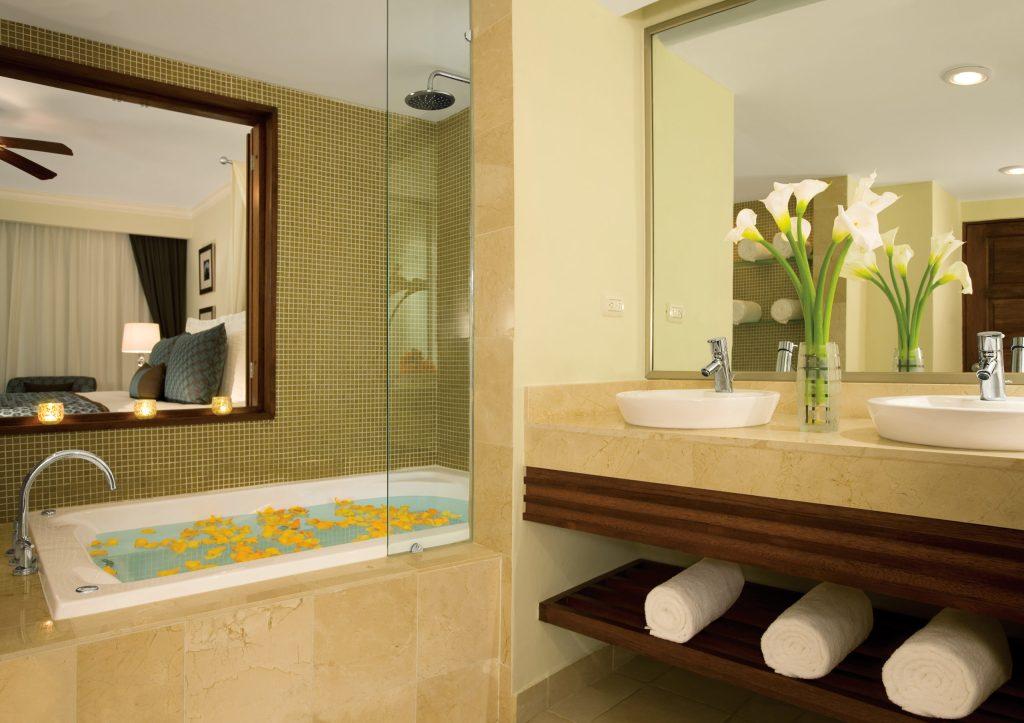 DREPB_Preferred Club_Room_ Bathroom_1