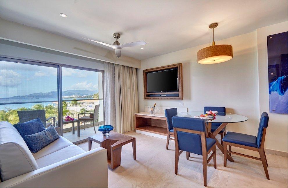 royalton_luxury_suite_ocean_view_lr_0520200501180145453
