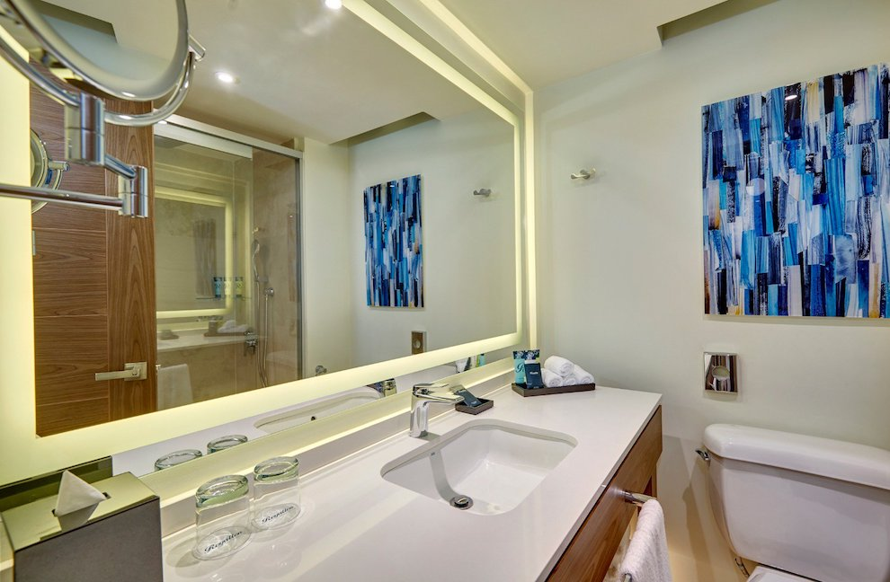 royalton_luxury_suite_ocean_view_lr_0620200501180145625