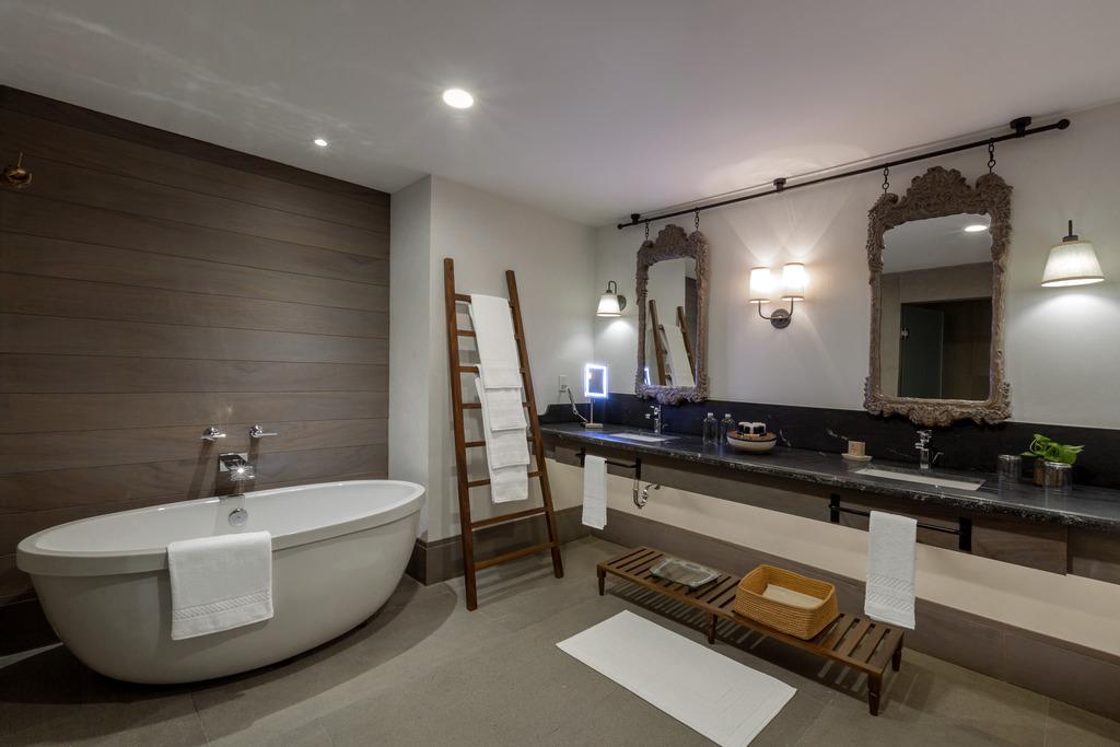 Estancia Bathroom