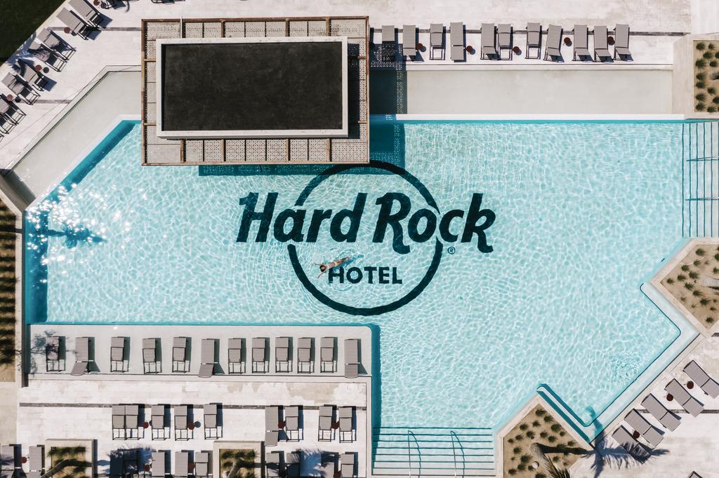 HRHLosCabos_Lifestyle_Eden Pool Drone