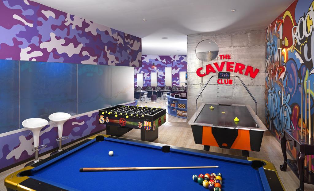 HRHV_CavernClub_Upstairs