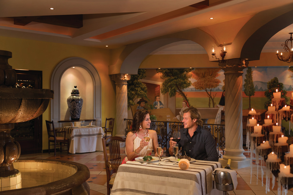 Hilton-Playa-del-Carmen-Maria-Marie-Couple-4