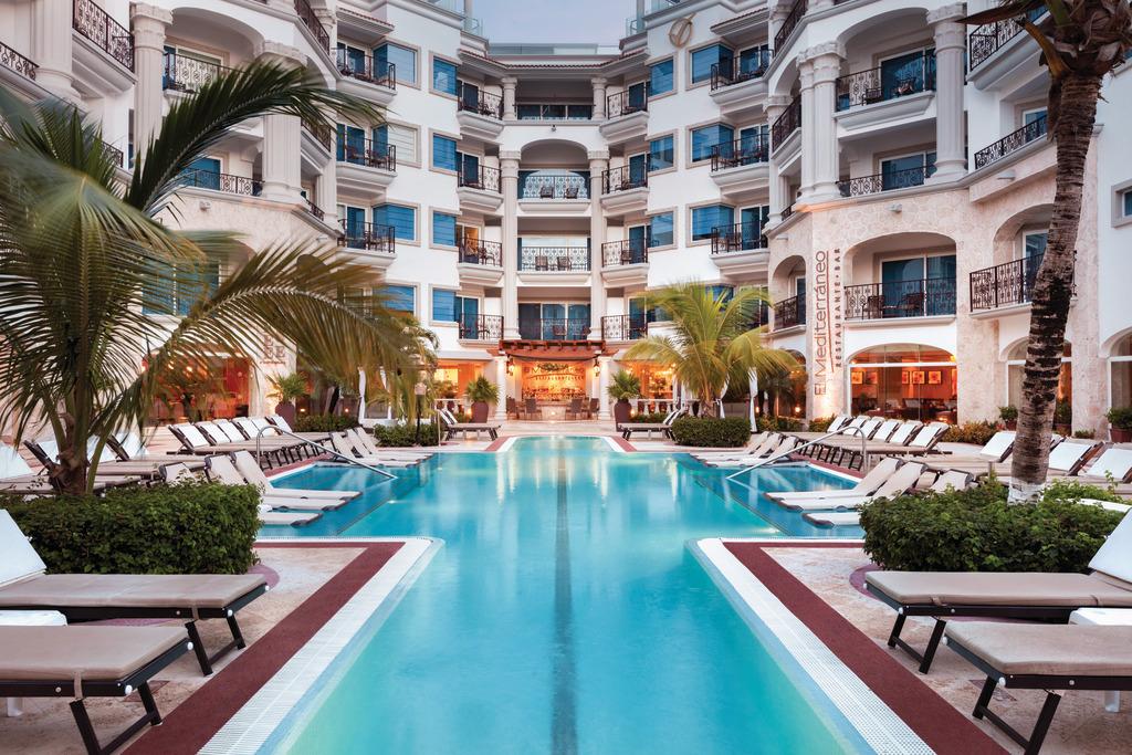 Hilton-Playa-del-Carmen-Tranquil-Pool