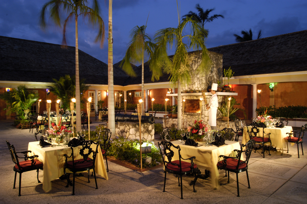 Hilton Rose Hall Three Palms Restaurant