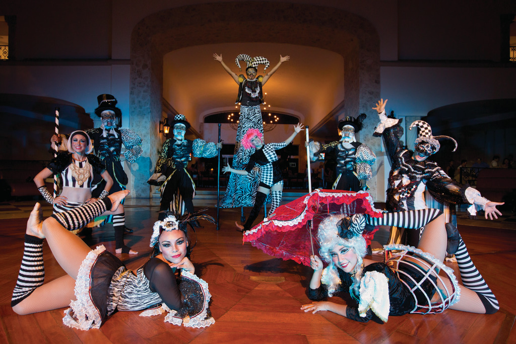 Hyatt-Zilara-Cancun-Entertainment-Performers-2