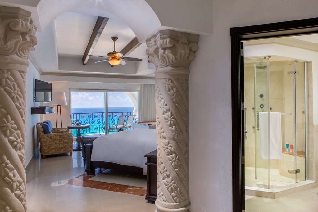 Hyatt-Zilara-Cancun-Presidential-Suite-Bed-Bath