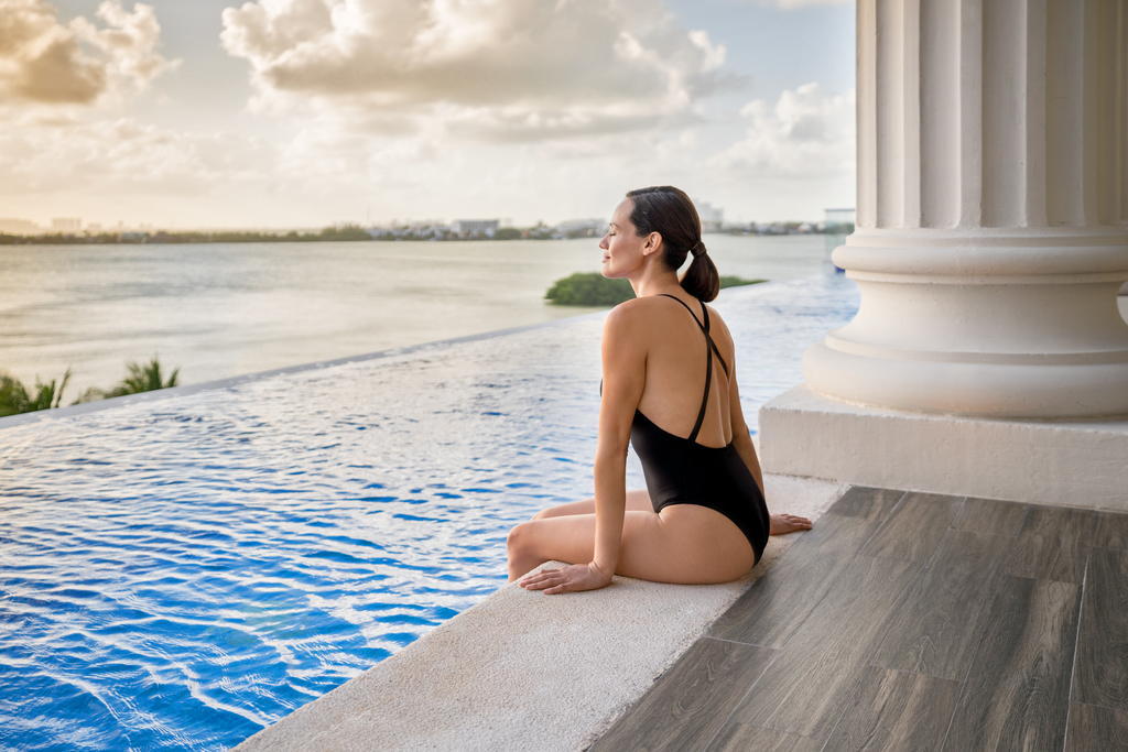 Hyatt-Zilara-Cancun-Sky-Gym-Lap-Pool-Woman