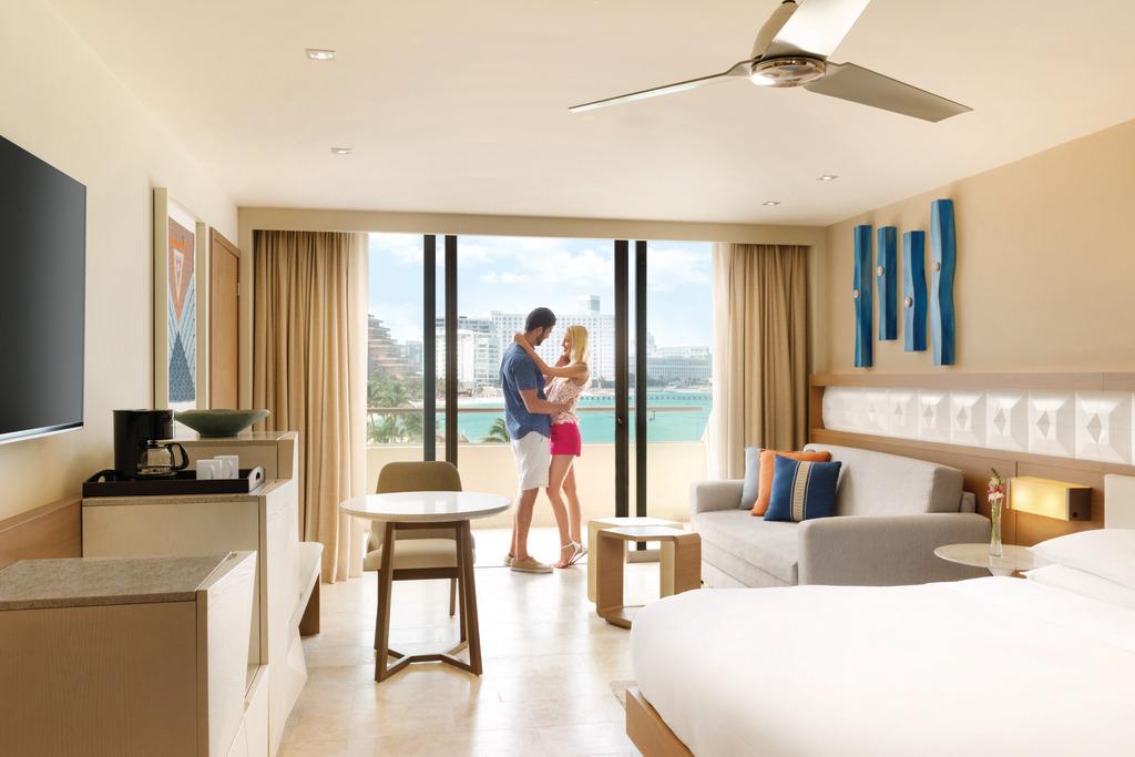 Hyatt-Ziva-Cancun-Ocean-View-King-Couple-2