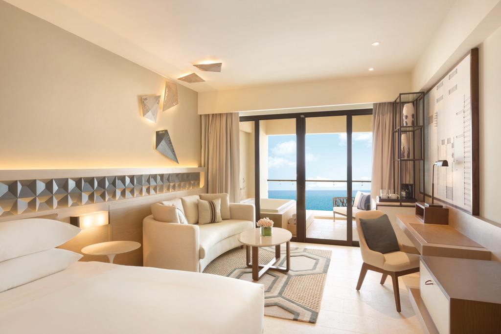 Hyatt-Ziva-Cancun-Turquoize-Ocean-Front-Master-King-Room