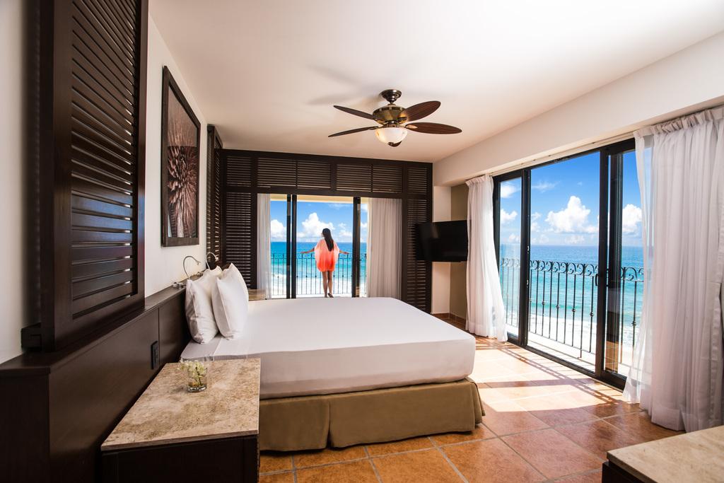 Hyatt-Ziva-Los-Cabos-Ocean-Front-Two-Bedroom-Grand-Master-Suite-Girl-Balcony-2