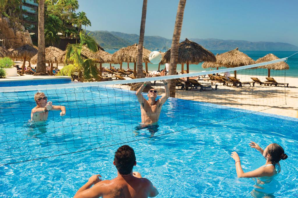 Hyatt-Ziva-Puerto-Vallarta-Activity-Pool