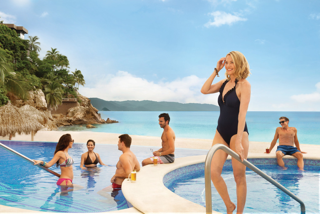 Hyatt-Ziva-Puerto-Vallarta-Adult-Pool-Group-2
