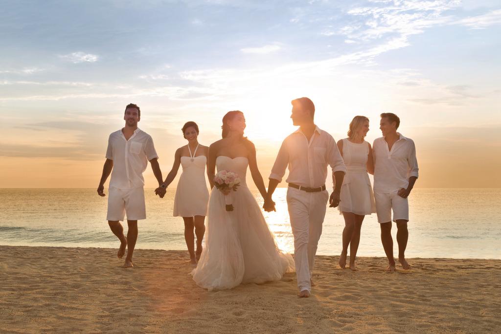 Hyatt-Ziva-Puerto-Vallarta-Wedding-Beach-Couple-And-Party-6