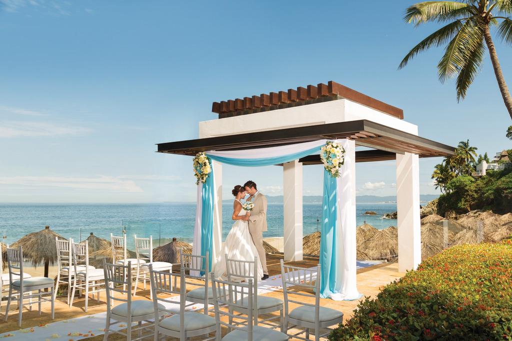 Hyatt-Ziva-Puerto-Vallarta-Wedding-Gazebo-Couple