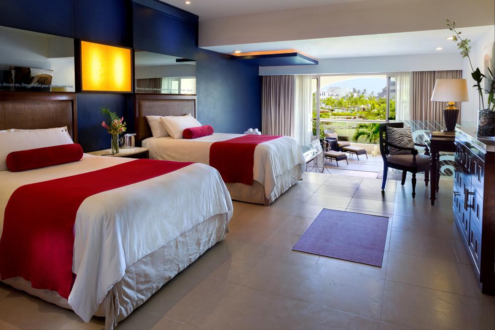 Islander-Junior-Suite-Double-Beds