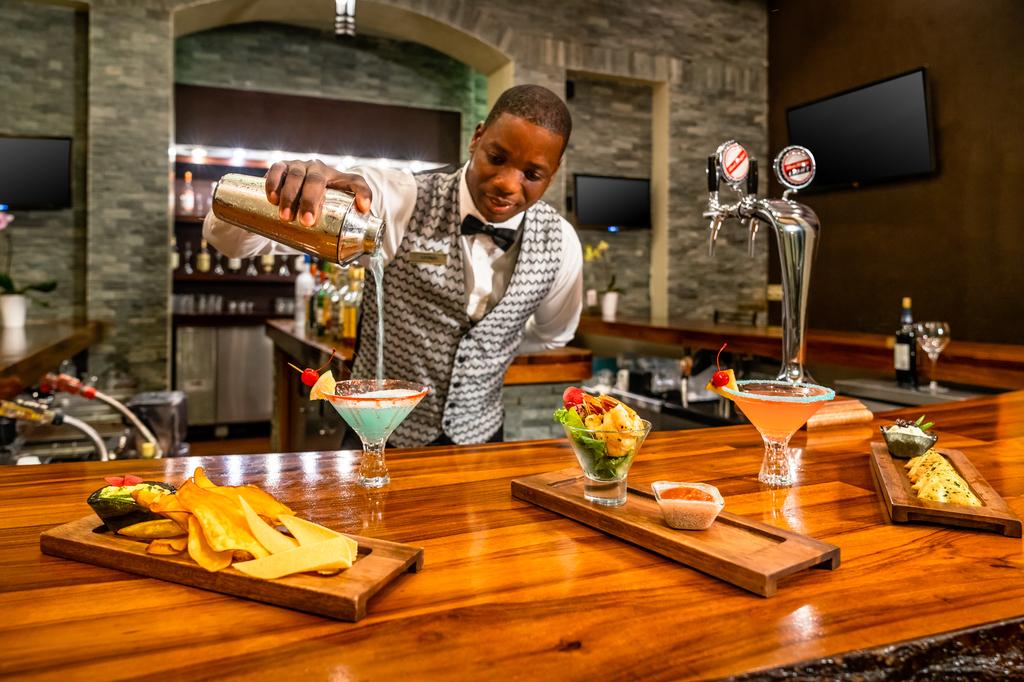 Jewel-Grande-Montego-Bay-Lobby-Bar-Service-Tapas