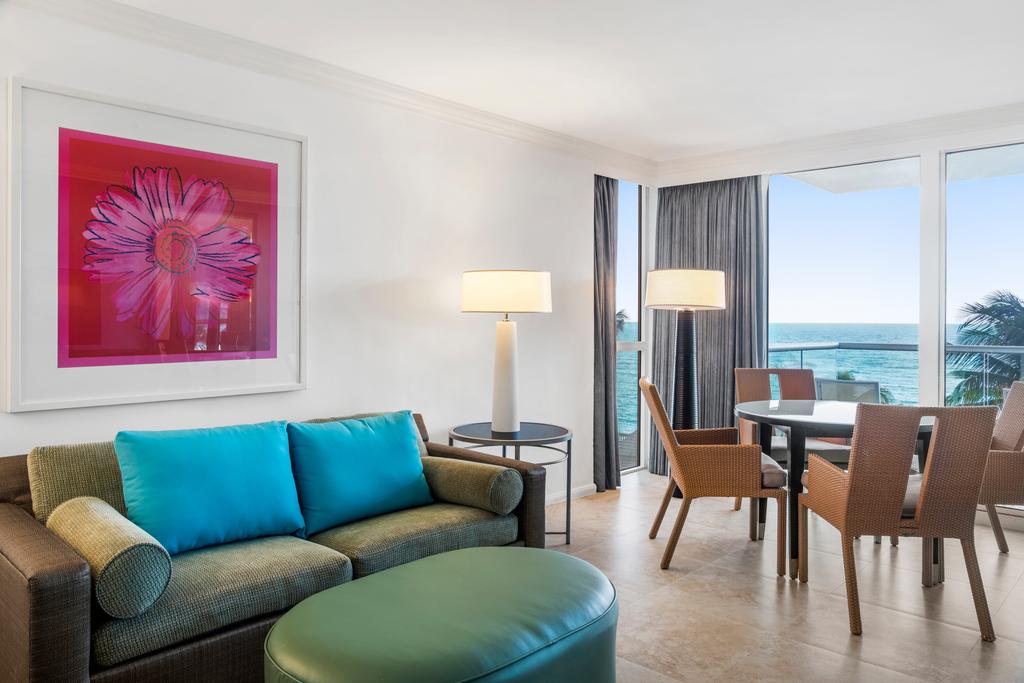 MBJRHHF_Oceanfront_Caribbean_Suite_Living_Area_2