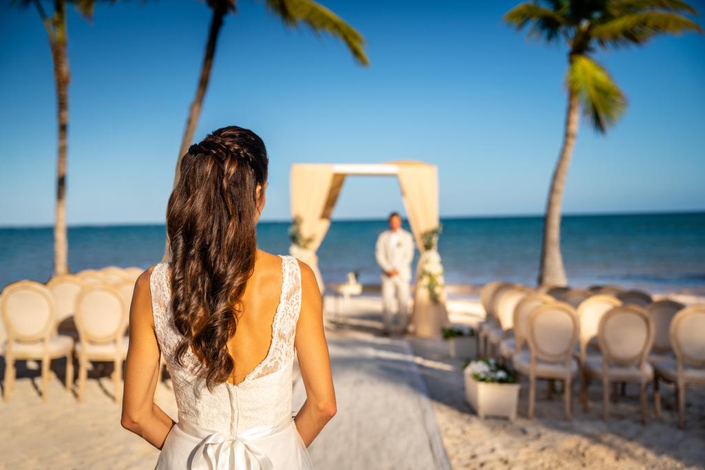 Sanctuary-Cap-Cana-Beach-Wedding-Couple44