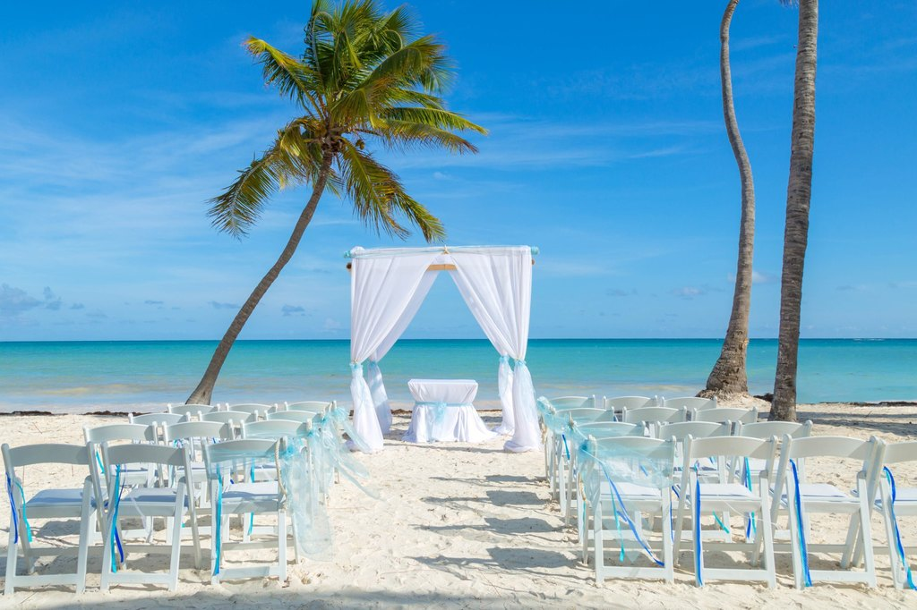 Sanctuary-Cap-Cana-Beach-Wedding-Setup