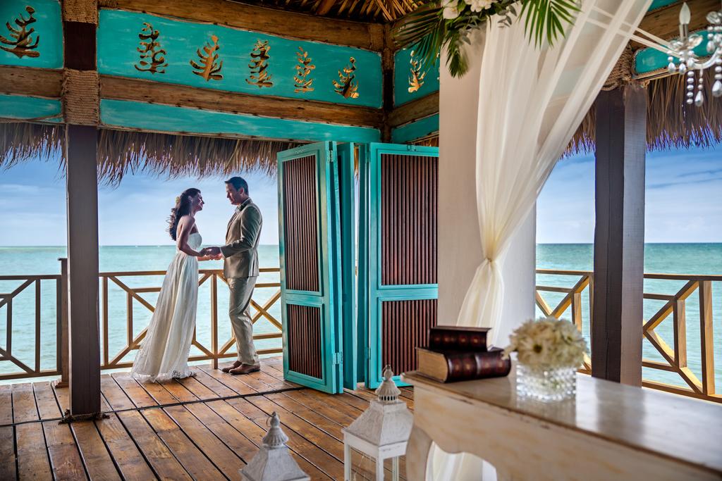 Sanctuary-Cap-Cana-Blue-Marlin-Wedding-Couple-2