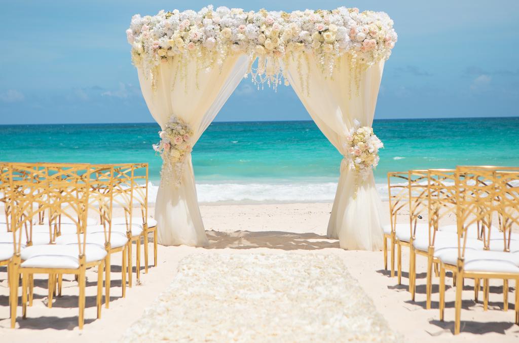WeddingInspiration_LavishDaydream_Ceremony_Structure
