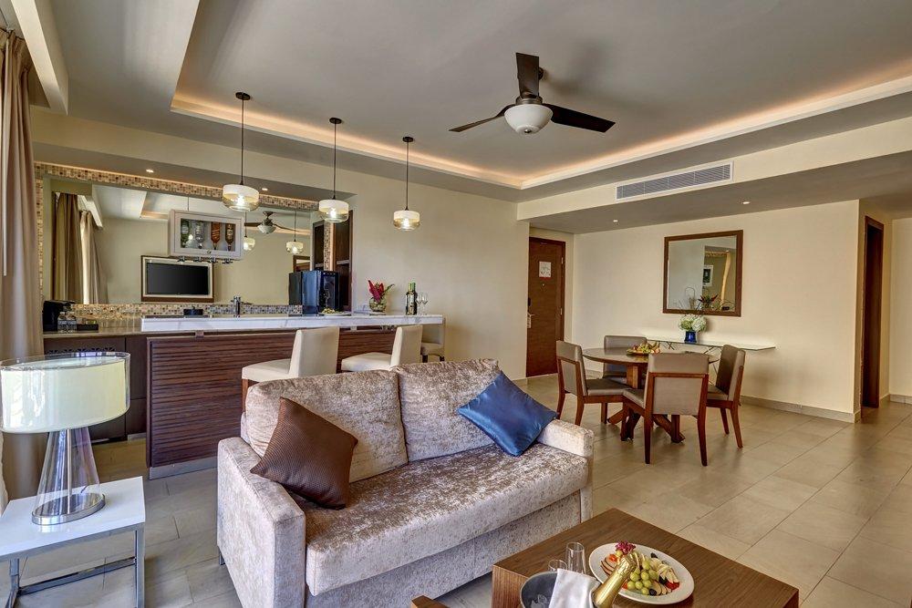 grand_lido_luxury_penthouse_one_bedroom_suite_oceanview_(4)