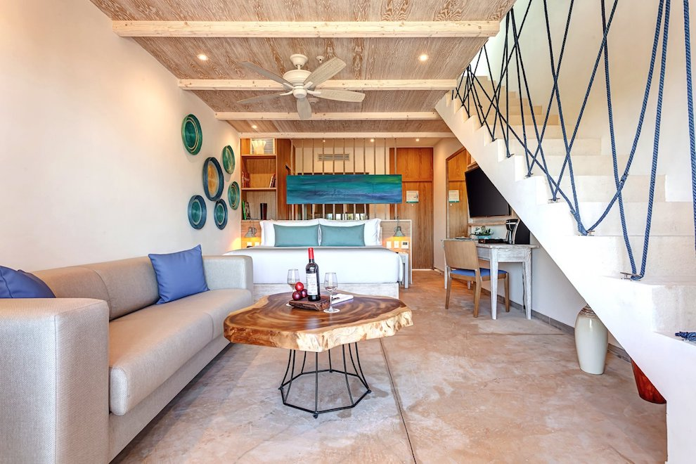 mystique_blue_deluxe_junior_suite_loft_ocean_view_(4)
