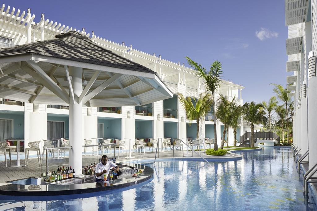 Swim up bar Jamaica – azul