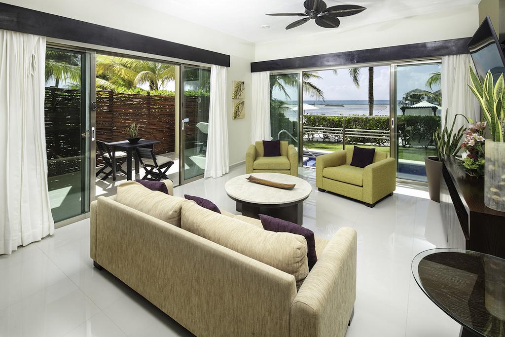EDM- Honeymoon Beachfront Villa 3